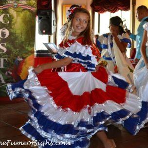 Folkloric dancers (Los Amores de Laco)